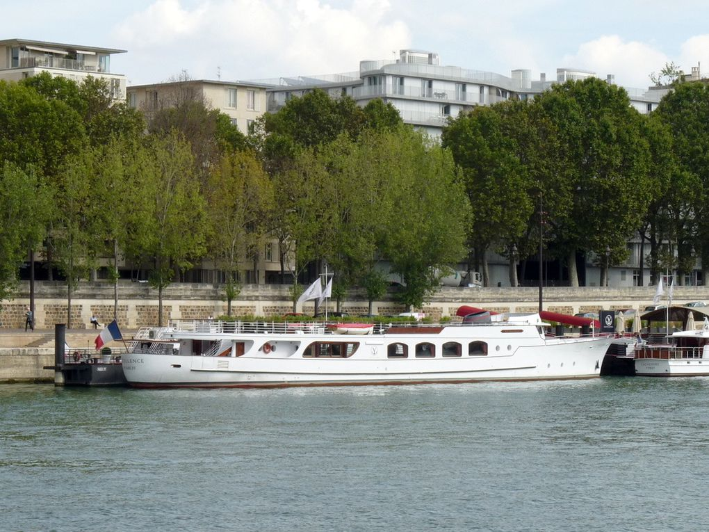 EXCELLENCE , sur la Seine à Paris le 220septembre 2016