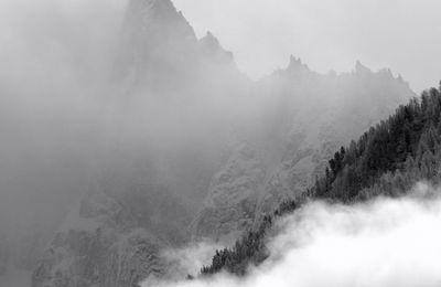 Beautés montagnardes des Alpes à Chamonix, ou le printemps qui tarde