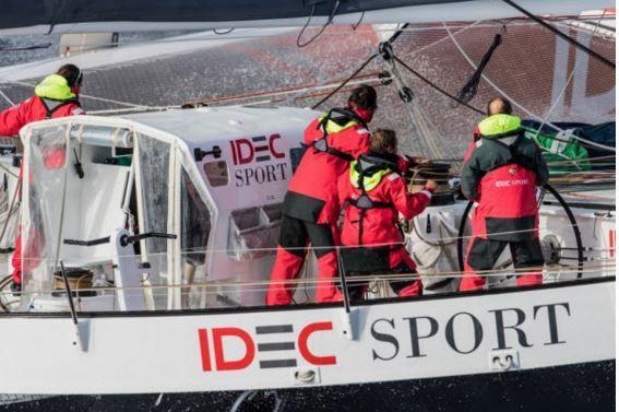 Trophée Jules Verne - Idec Sport en avance à l'Equateur