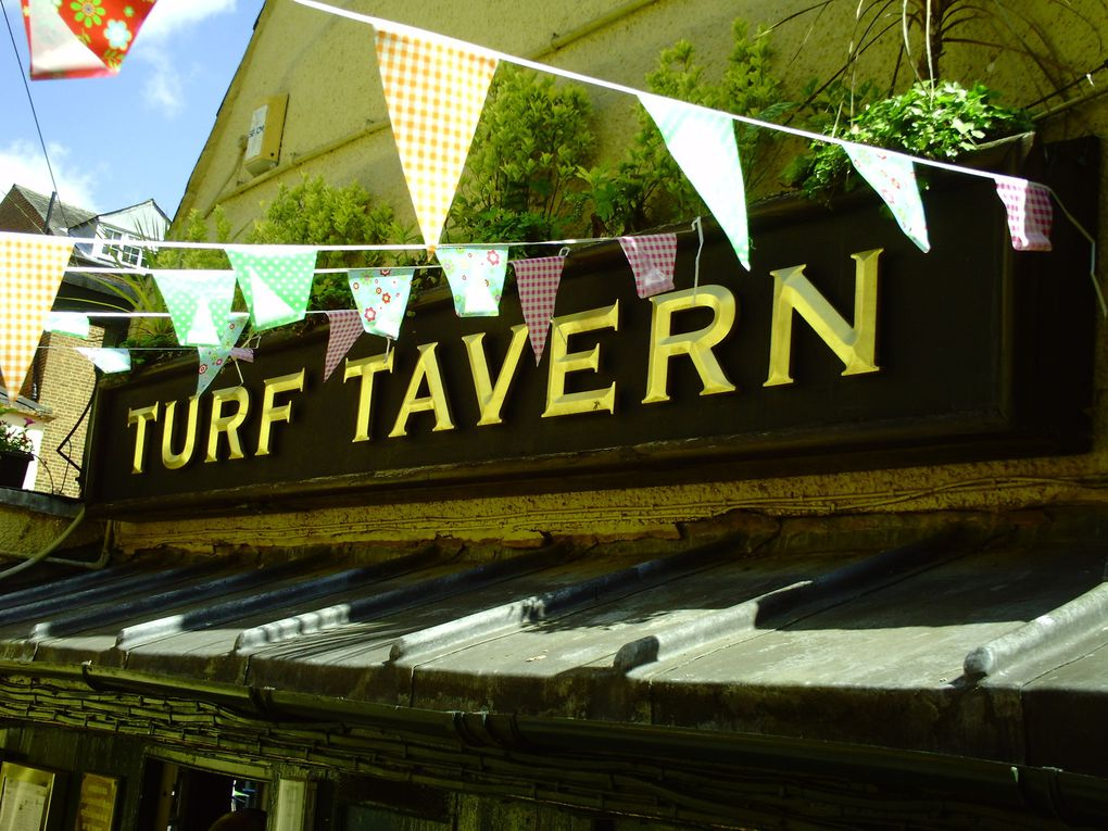 DIAPORAMA 25 PHOTOS - A VOIR THE TURF TAVERN