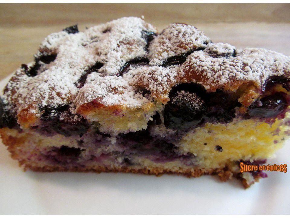 Gâteau moelleux aux myrtilles - Recette en vidéo