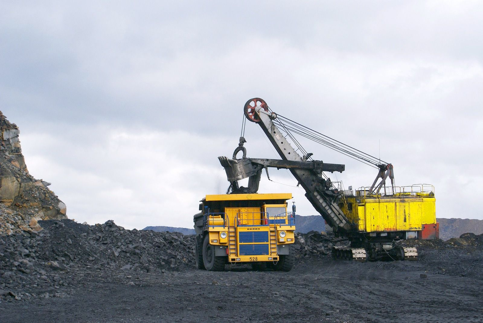 Géopolitique des ressources : Il y a trente ans fermait l'une des dernières mines de charbon de France. [ MAJ ]