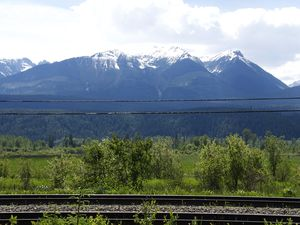 Road trip in the Canadian Rockies... The Canadian Pacific Railway crosses Canada from East to West and the trains are now very very long with 156 cars!!! (I counted them all once!)