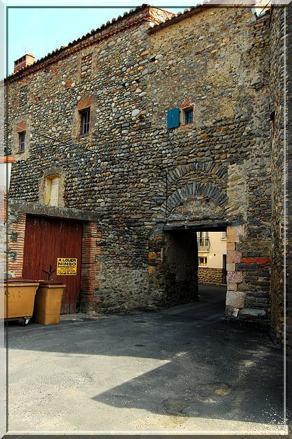Diaporama bourg fortifié de Vinça