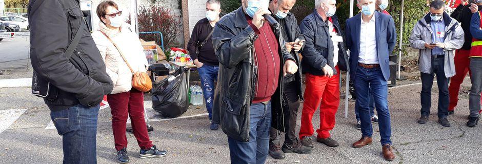 Les communistes mobilisés pour la défense de l'emploi et des activités industrielles à JTEKT Irigny-Rhône