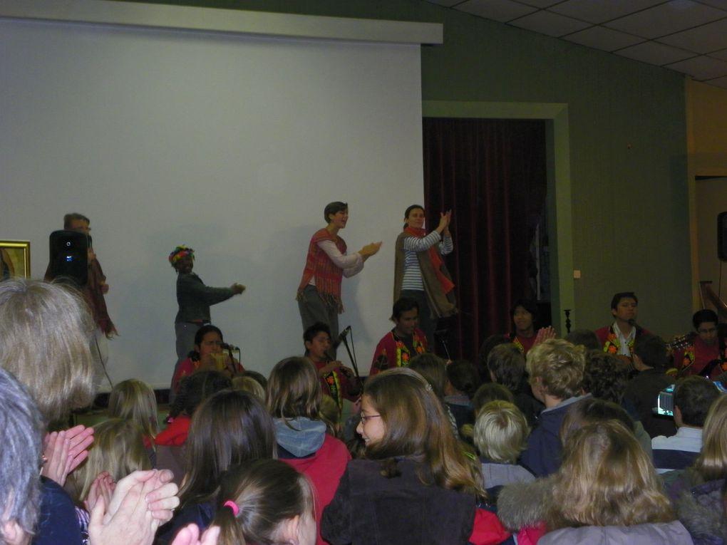 Grande fête de l'Enfance Missionnaire! 230 enfants rassemblés pour découvrir l'amérique latine et prier pour ce beau continent. Très belle jounée animée par un orchestre bolivien: Kalaquaya!