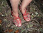 Une paire de chaussures J 10