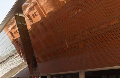 """Masdar City: """"the world's most sustainable city"""""""