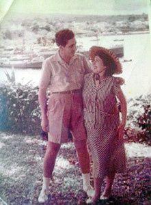 Una imagen del matrimonio poco antes de abandonar Guinea Ecuatorial. Sara se encontraba en ese momento embarazada..- El Muni.