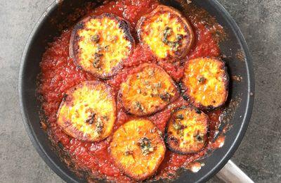 Patate douce à la sauce tomate, citron vert et cardamome, recette de Yotam Ottolenghi