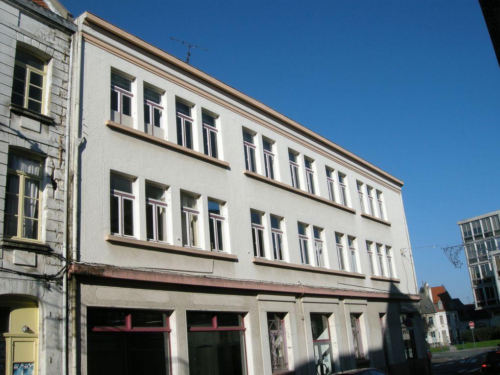 64 rue Saint-Aubert (1924) - 4 boulevard Vauban (avec Jules Déprez, 1923) - place du Théâtre (avec Jules Déprez, 1923) - 12 re du Saumon (1924) - 34 boulevard Faidherbe (1924) - boulevard Faidherbe et rue Pasteur (1924) - rue du Crinchon (1924) - 28 place du Théâtre, La Maison bleue (1928) - Place Foch et rue Chanzy (1925) - 31 rue Ernestale (1926) - 33 et 35 rue Saint-Aubert (1926) - 1 rue du Noble (1927) - 38 rue Delansorne (1928) - 39 rue aux Ours (1928) - 46 rue Delansorne (1928) - 8 rue Saint-Aubert (1929) - 14 rue Constant-Dutilleux, La Villa (1930) - 2 place de la Vacquerie (1933) - 13 rue Aristide-Briand (1933) - 74 rue Saint-Aubert (1936)