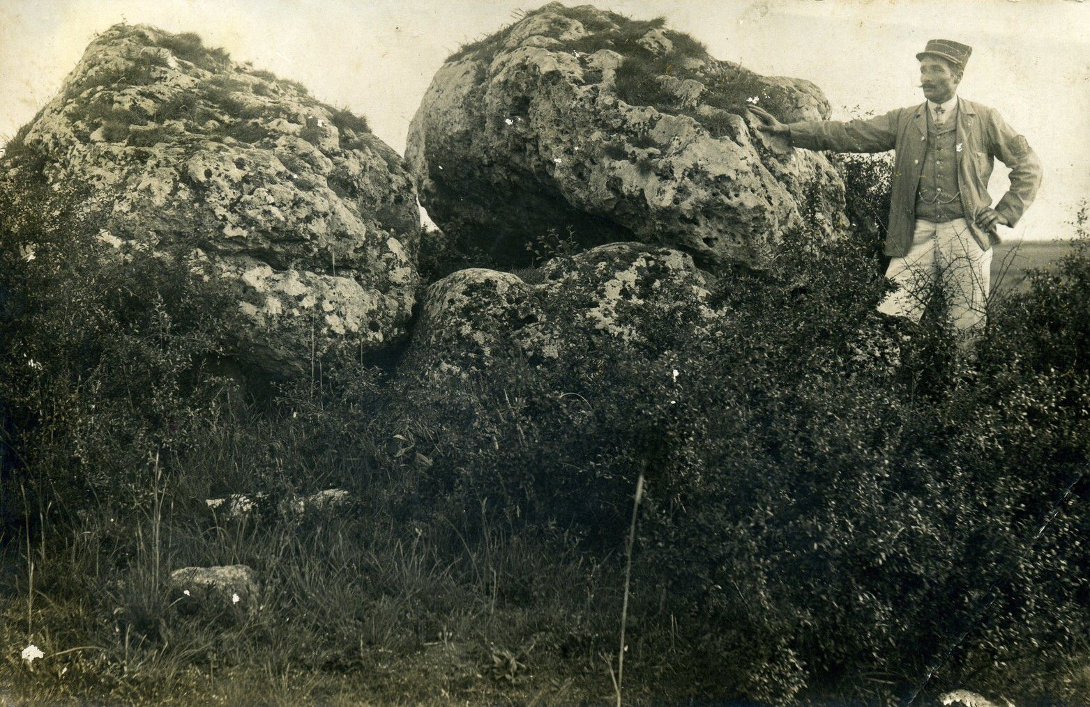 Dolmen de Coulmiers ou des Pierres Fenats, Epieds-en-Beauce (45)
