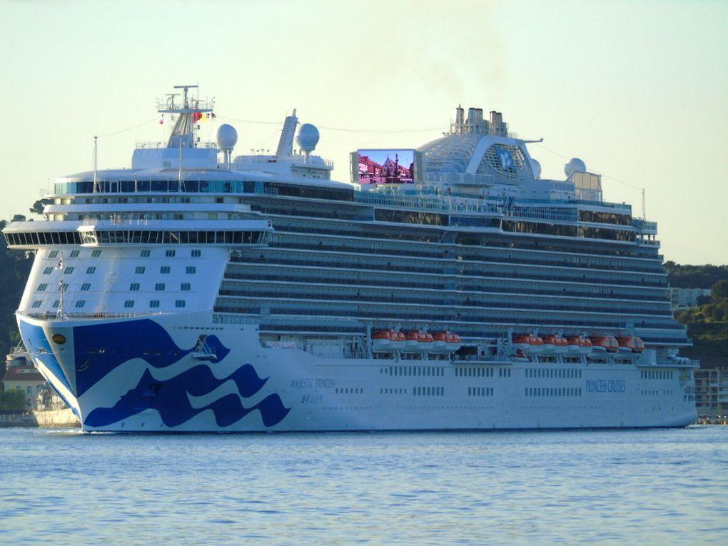 MAJESTIC PRINCESS , arrivant à la Seyne sur Mer  le 20avril 2017