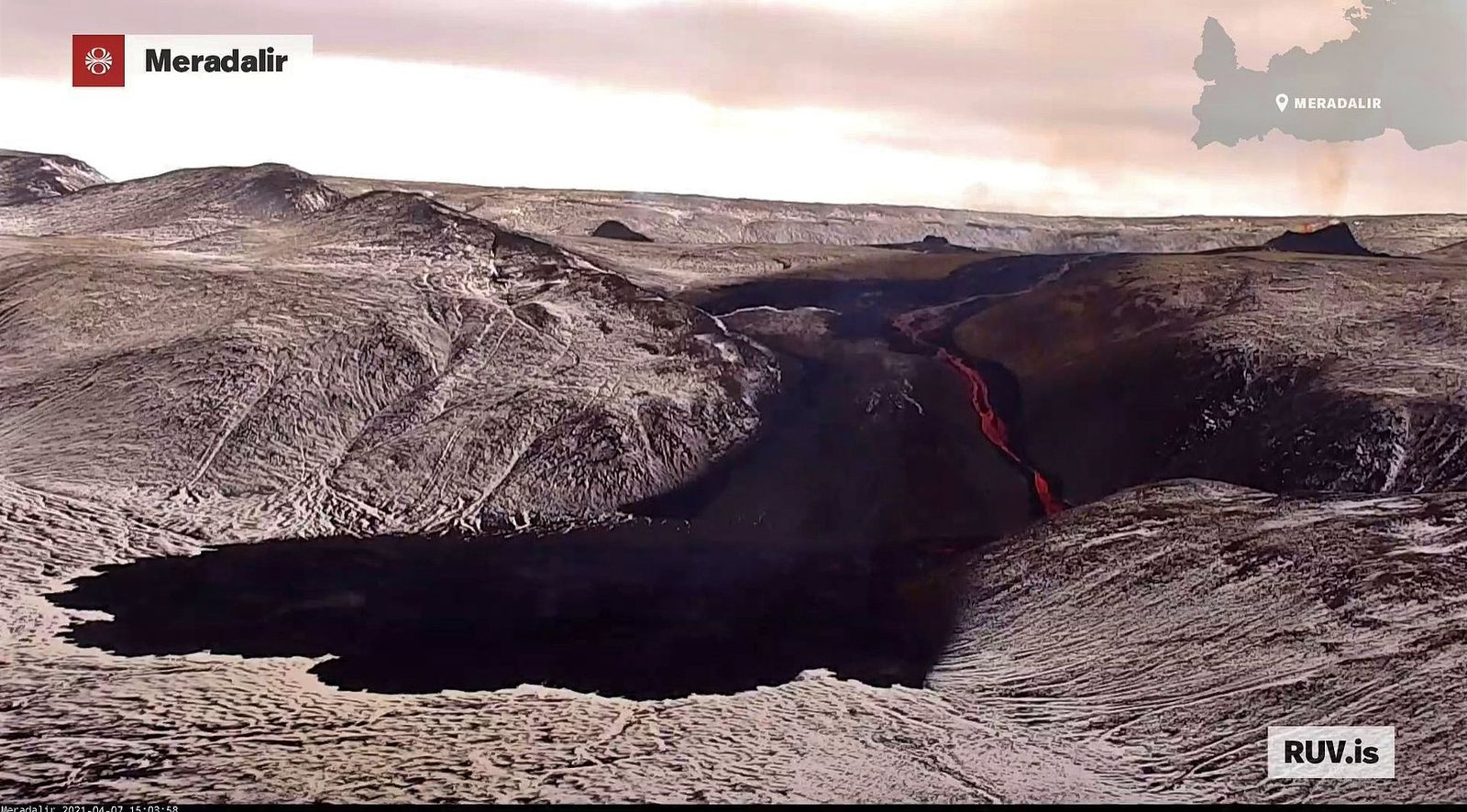 Reykjanes Peninsula - the 3 eruptive fissures, with their respective cones, and evolution of the lava field  - webcam RUV / 07.04.2021 / 15:03