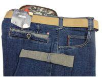 Des tissus exclusifs, confortables, extensibles....poche de sécurité...