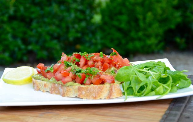 Tartines mexicaines avocat tomates