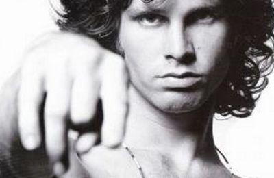 Jim Morrison, la forza del desiderio impossibile da dimenticare (Jim Morrison, la force du désir impossible à oublier)