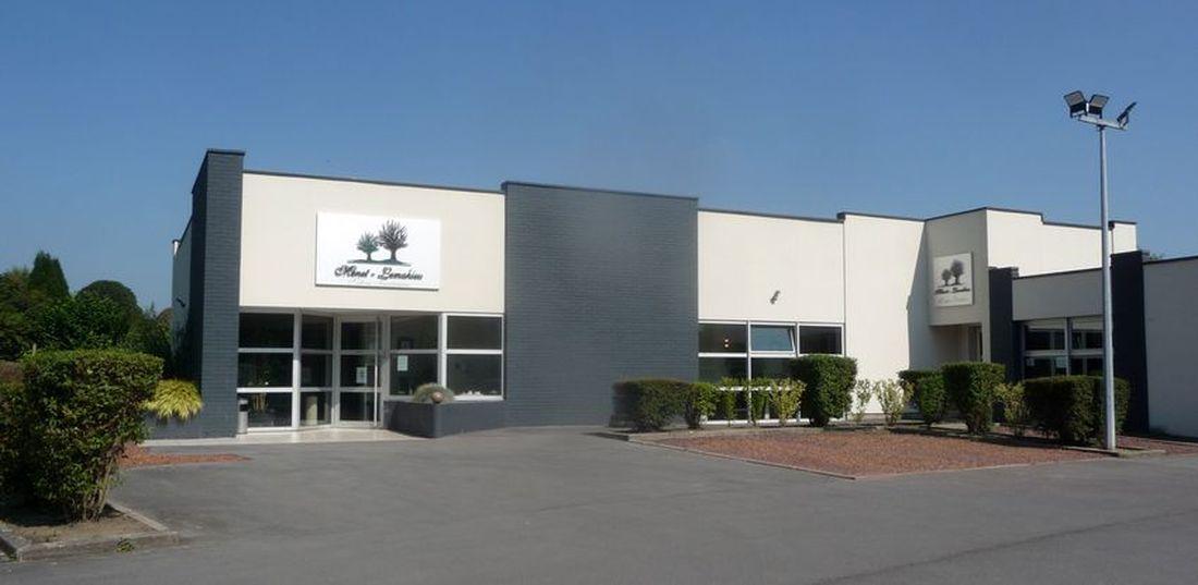 Les Salons Funéraires Menet - Lemahieu, Route de Neuville Halluin - Septembre 2021.