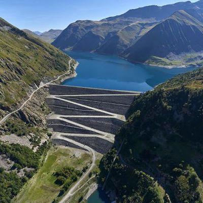 La plus grosse usine hydro-électrique à l'arrêt pour protester contre la réforme des retraites