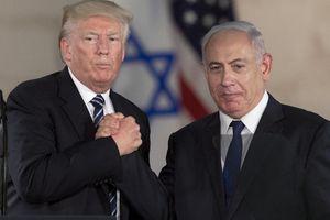 Les Etats-Unis allouent 38 milliards de dollars d'aide militaire à Israël pour renforcer sa sécurité! Donc d'un côté l'Europe finance les bases USA sur son sol, et de l'autre les USA financent la sécurité d'Israël !  C'est qui les pigeons dans l'affaire ?
