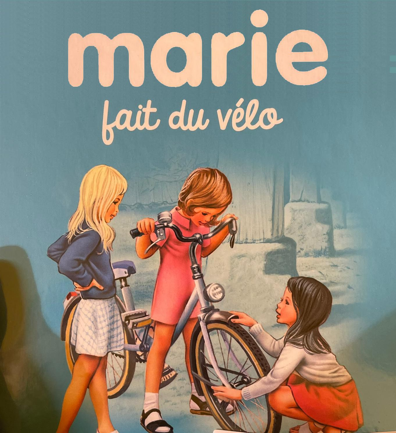 Marie fait du vélo
