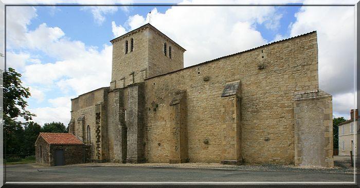 Diaporama église fortifiée de St Martin Lars en Ste Hermine