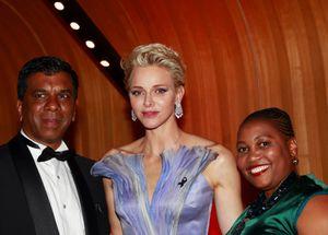 La principessa Charlène avec Derick e Connie Motshumi