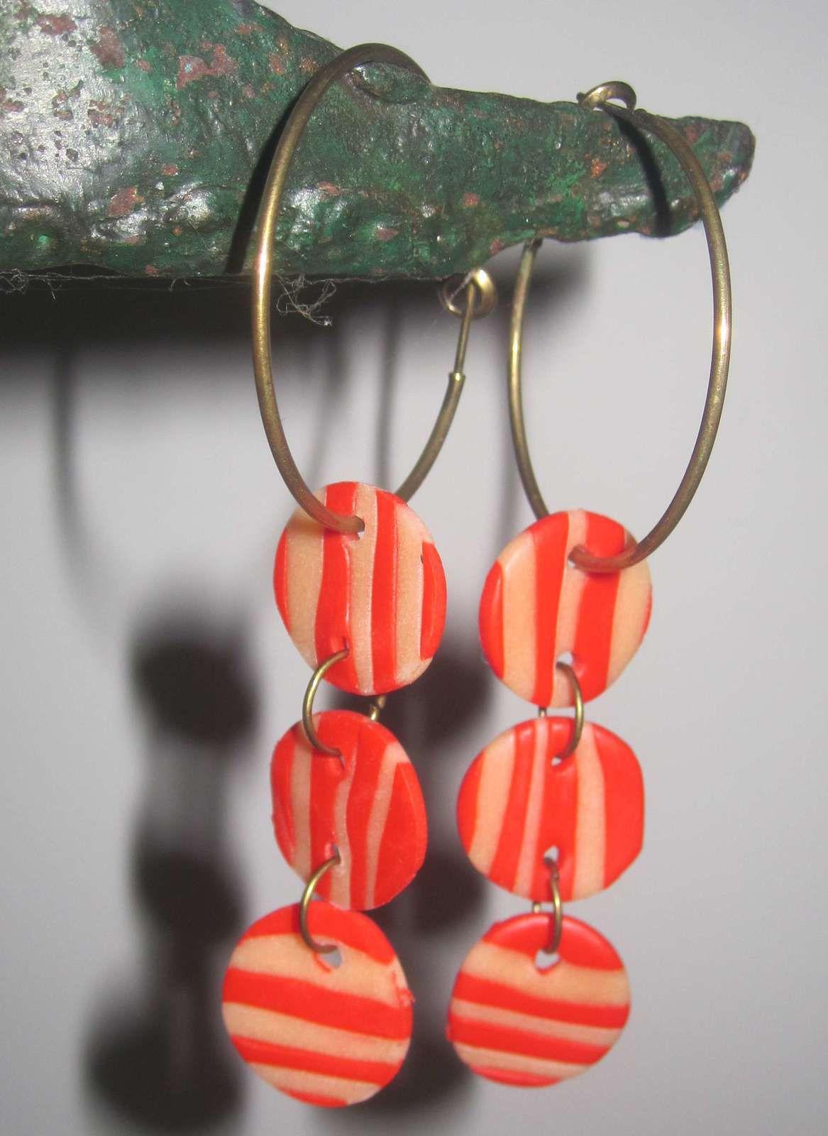 Boucles d'oreille en Fimo : rouge