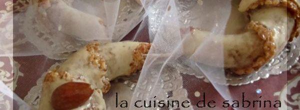 Tchrek au miel « gâteau Algérien Moderne aux Amandes »