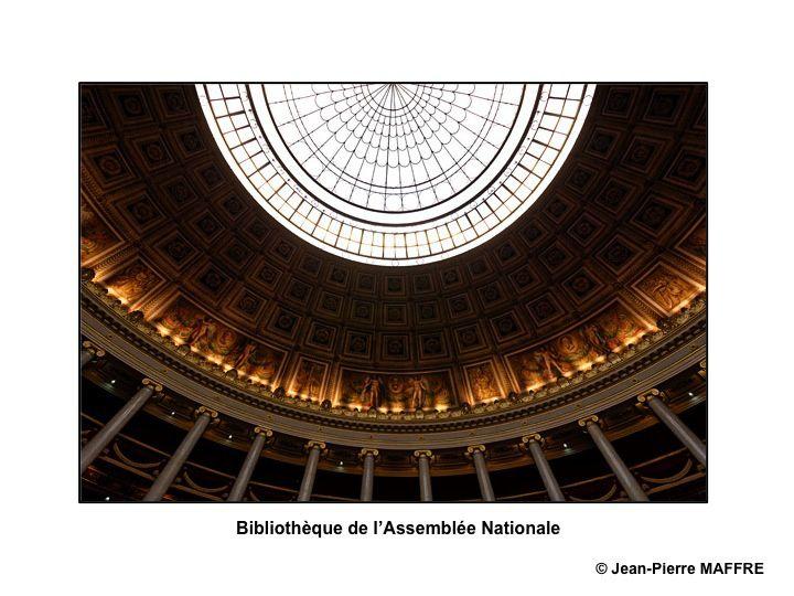 L'hôtel de Lassey et le Palais Bourbon où réside à Paris l'Assemblée nationale sont ouverts, tous les ans, au public à l'occasion des journées du Patrimoine. Profitons de cette occasion pour en admirer toutes leurs richesses.