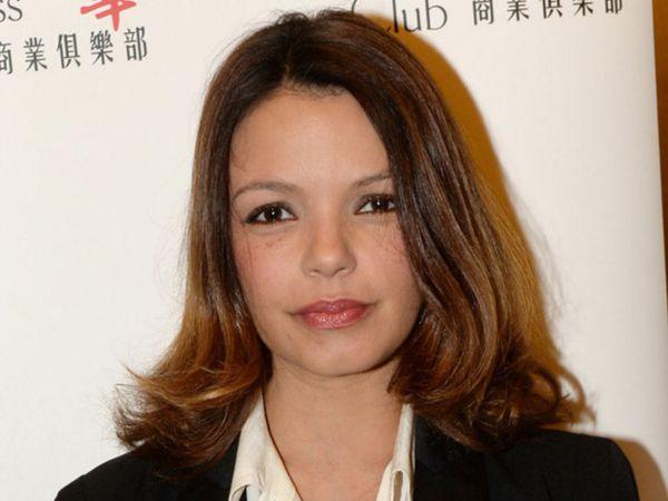 séverine ferrer, une présentatrice de télévision, chanteuse et actrice française, désormais conseillère municipale et de nombreuses apparitions sur les planches