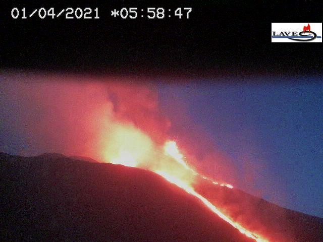 Etna SEC - 01.04.2021 8 05h58 -  webcam LAVE