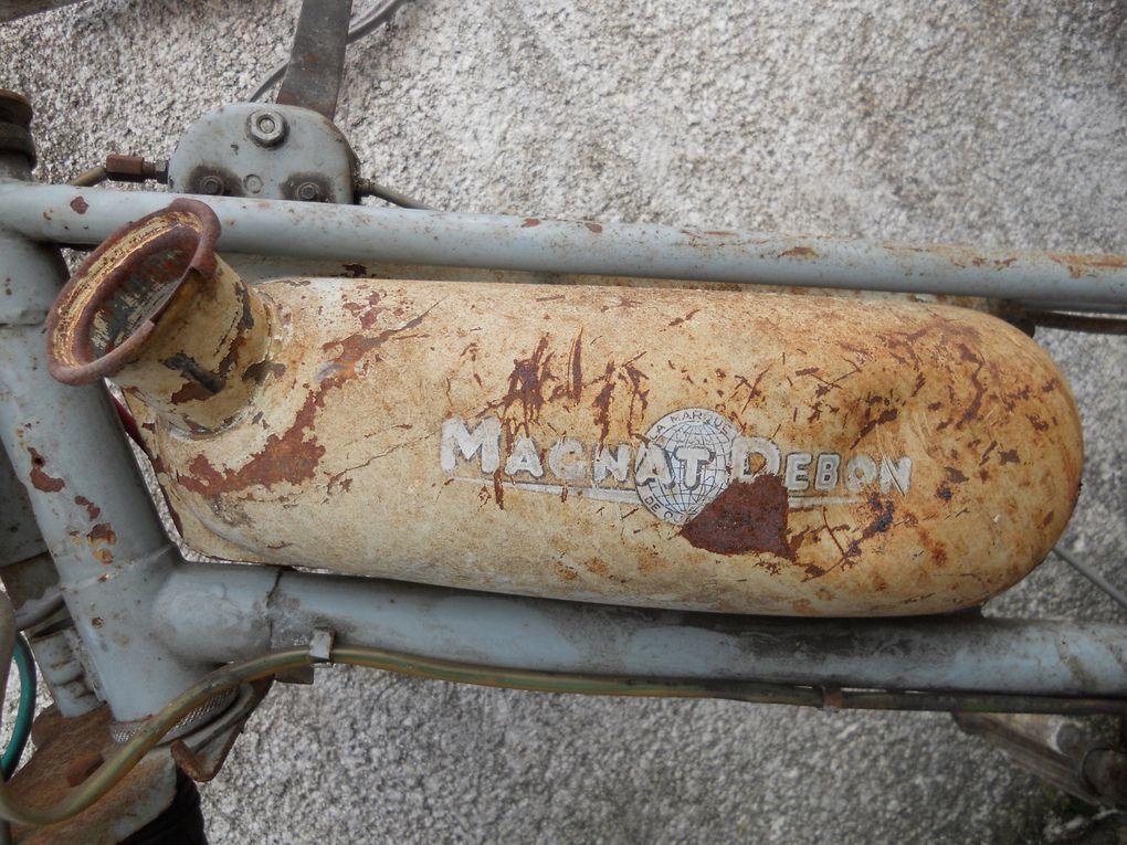 Magnat Debon C à moteur a galet du 29/11/1954 Année : N° moteur : 686..... N° cadre :  Carburateur :