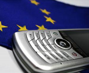 Mobiles : baisse des prix pour téléphoner en Europe