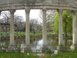 PARIS (Jeudi)