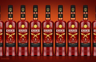 Packaging : khukri rum, le packaging très rouge venu du Népal !