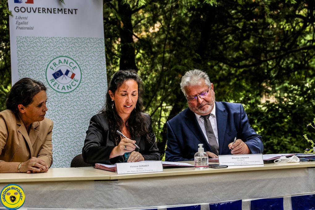 Castellane  :reportage vidéo signature du contrat de ruralité de relance et de transition écologique