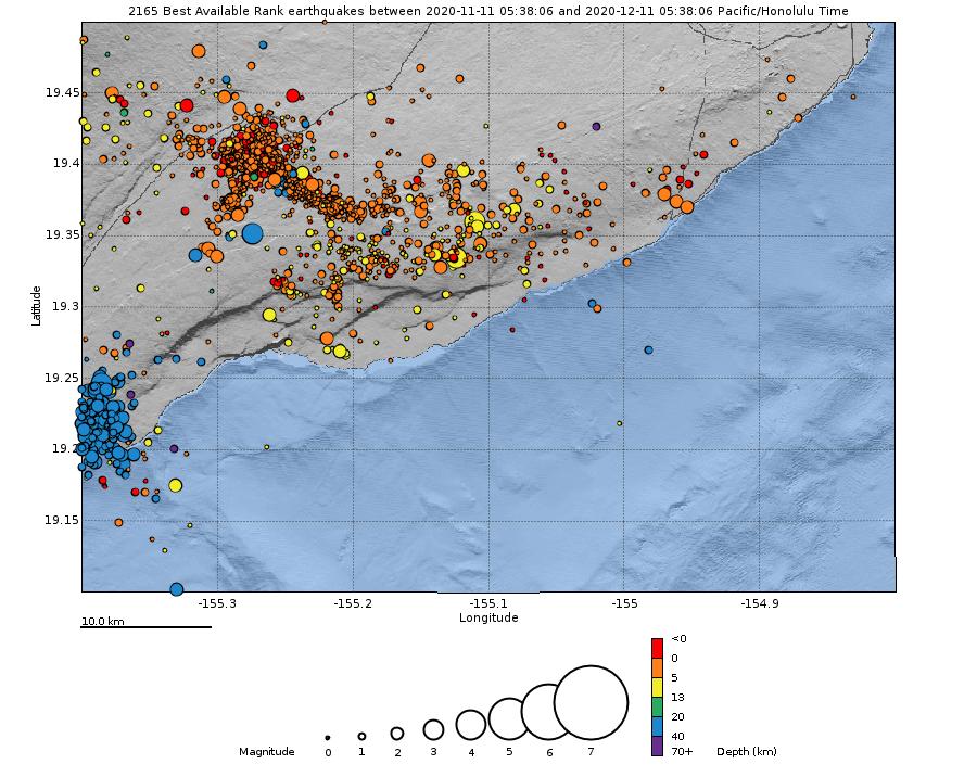 Kilauea - carte montrant les emplacements des tremblements de terre au cours du mois dernier. En bas: Profondeur des tremblements de terre (cercles) au cours du mois dernier. La taille du cercle représente la magnitude et la couleur indique la profondeur - Doc. HVO / USGS