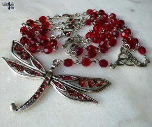 Rosarium Sympetrum Sanguineum - Chapelet rosaire druidique aux perles vintages rouge sombre et sa grande libellule