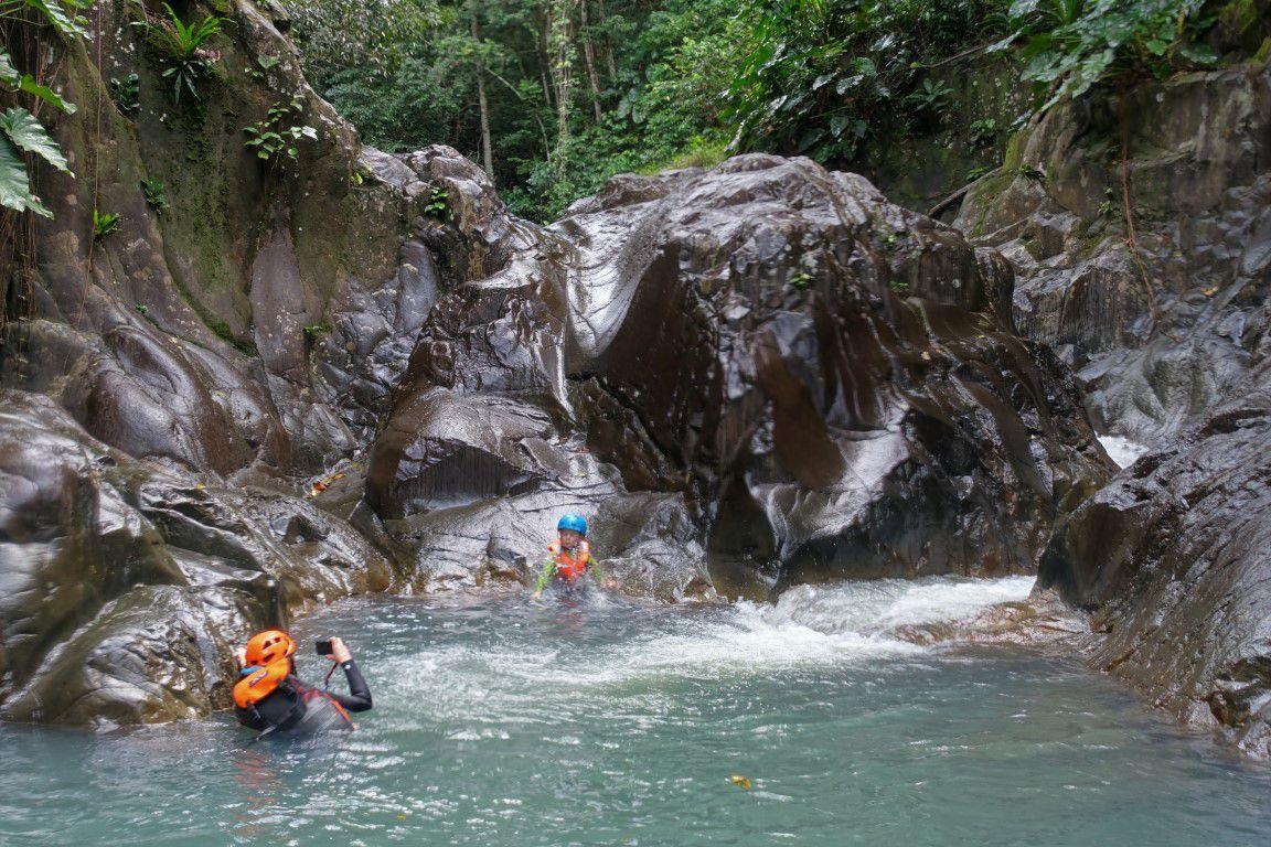 plus d'eau et de jeux aquatiques dans le canyon d'Acomat à proprement parler