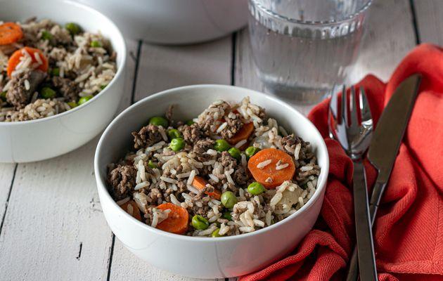 One pot: riz, boeuf haché, petit-pois et carottes