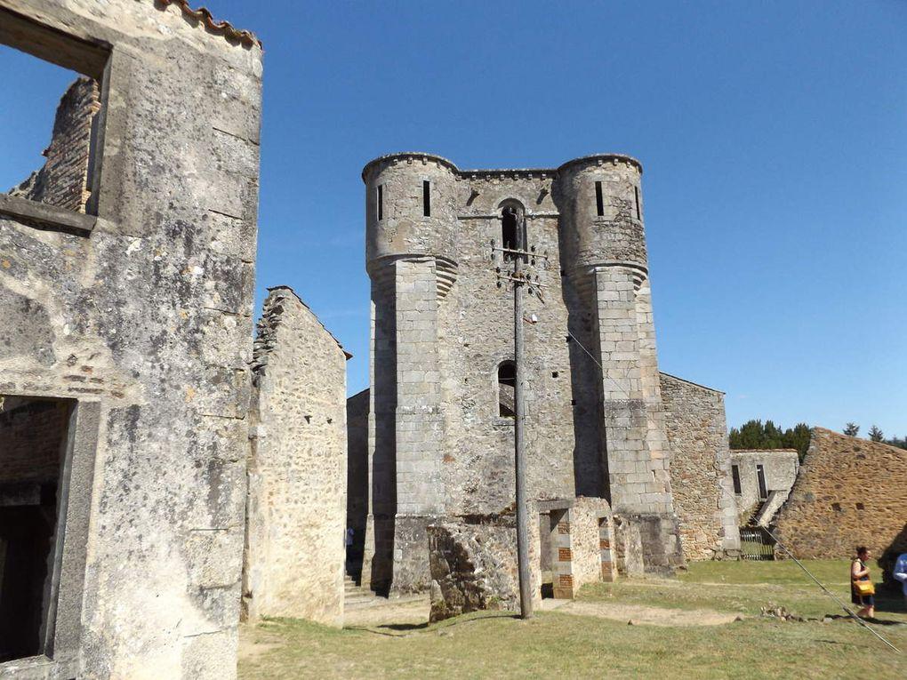 Les vestiges de l'ancienne église paroissiale saint Martin à Oradour-sur-Glane et Madame Marguerite Rouffanche unique rescapée du massacre dans l'église.