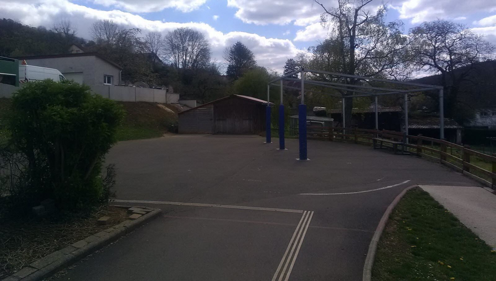 Les enfants de l'école maternelle de la Flandrière et du Diabolo mélinois auront un préau pour s'amuser dehors.  Photo ER