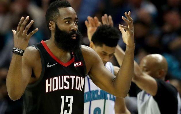 Les Rockets s'imposent à Charlotte