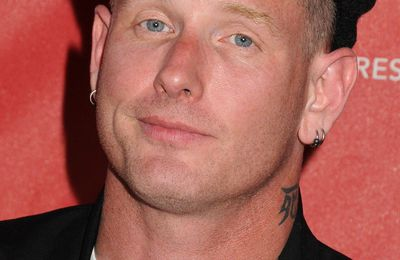 "Nouveau clip de COREY TAYLOR ""Culture Head"" - Loud TV Webzine - Webzine - Clip Officiel"