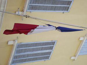 Drapeau en berne au Cercle St-Pierre