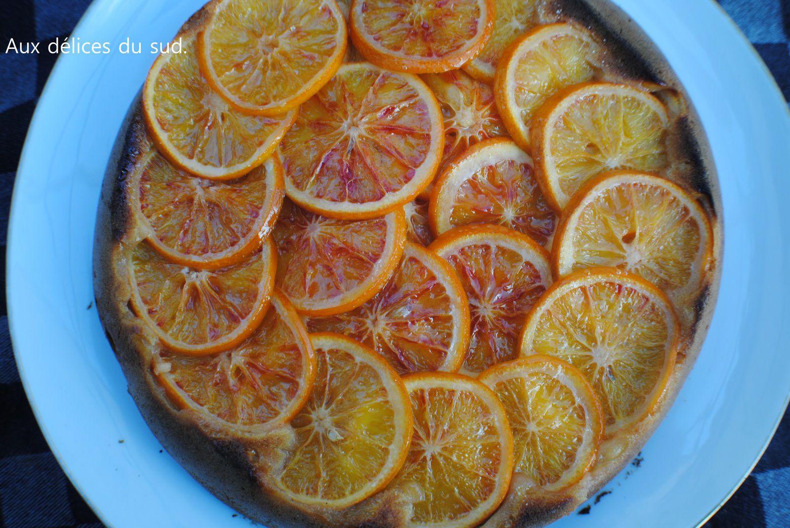 Gâteau renversé aux oranges sanguines .
