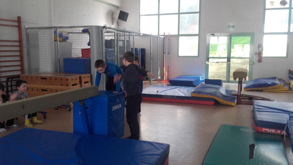 Le spectacle de gym des CE2-CM1