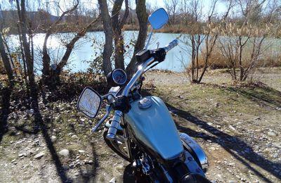 Le lac des Buissonnades en Harley Davidson