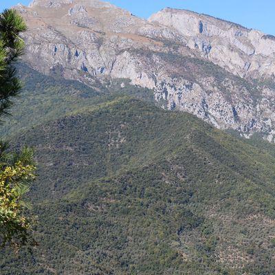 Castelvittorio (IM): una vista sui Monti Toraggio e Pietravecchia